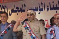 رئيس وعدد من قيادات المجلس الانتقالي يصلون المكلا بموكب غير مسبوق