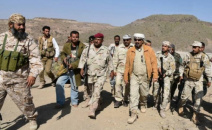 الرئيس الزُبيدي يتفقد خطوط المواجهة الأمامية مع الميليشيات الحوثية في مريس