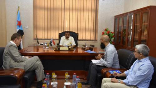 اللواء احمد سعيد بن بريك يبحث مع رئيس اللجنة الدولية للصليب الاحمر تطورات الوضع في العاصمة عدن