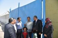 الرئيس الزُبيدي يزور مكان استشهاد اللواء علي ناصر هادي ويقرأ الفاتحة على روحه