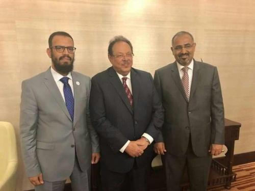 اللواء الزُبيدي يلتقي الرئيس علي ناصر في أبوظبي