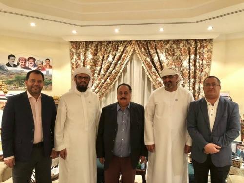 الرئيس الزُبيدي وعدد من قيادات المجلس يلتقون الاستاذ سالم صالح محمد