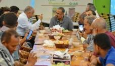 الرئيس الزُبيدي يحضر مأدبة إفطار تدشين المنصة التفاعلية بين القيادات السياسية والشباب