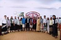 الرئيس الزُبيدي يلتقي بالقيادة المحلية للمجلس في محافظة شبوة