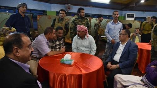 الرئيس الزُبيدي يقيم مأدبة إفطار جماعي للقيادات المدنية والعسكرية وقادة المقاومة الجنوبية