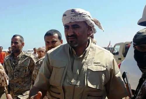 الرئيس الزُبيدي يزور جبهات الساحل الغربي ويلتقي بالقيادات العسكرية للتحالف العربي والمقاومة الجنوبية والقوات المشتركة