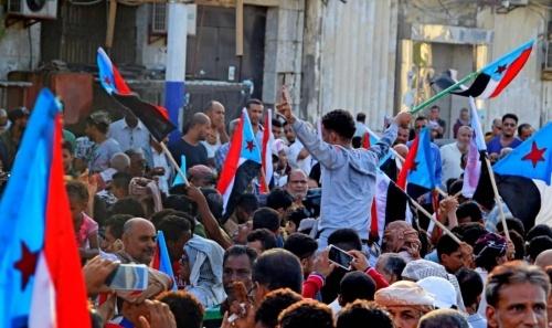 مسيرات حاشدة في عموم محافظات الجنوب تطالب بإستعادة الدولة وإسقاط حكومة الفساد