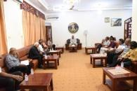 الرئيس الزُبيدي يلتقي بنخبة من الأدباء والكتاب ويؤكد على دورهم في تعزيز الانتماء للهوية الجنوبية والحفاظ عليها