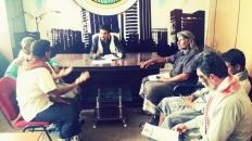 نائب رئيس انتقالي شبوة يلتقي قيادة مديرية الطلح ويحثهم على تفعيل دور عملهم بالمديرية