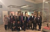 الرئيس الزبيدي يزور قسم الجنوب العربي بالمتحف البريطاني في لندن