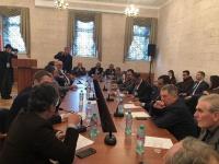 الرئيس الزُبيدي يلتقي رئيس مركز الدراسات العربية والإسلامية وفريق الخبراء بروسيا الاتحادية ويكرم عدداً من الباحثين