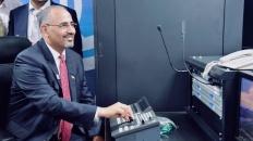 الرئيس الزُبيدي يدشن ترددات قناتين فضائيتين جنوبيتين ستُبثان من العاصمة عدن