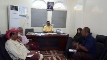 رئيس انتقالي لحج يترأس اجتماعاً للجنة الإغاثة والأعمال والإنسانية في المحافظة