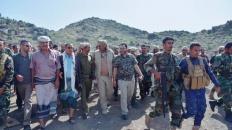 الرئيس القائد يتفقد خطوط النار في جبهات محافظة الضالع