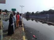 لجنة الطوارئ بالمجلس الانتقالي تحدد الأماكن المتبقية لاستكمال أعمال شفط مياه الأمطار الراكدة بمديرية خورمكسر