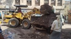 لجنة الطوارئ تدشن حملة إزالة مخلفات الأمطار بمديرية صيرة
