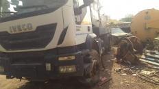 لجنة الطوارئ بالمجلس الانتقالي تتكفل بصيانة وإصلاح سيارات الصرف الصحي بالعاصمة عدن