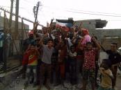 لجنة الطوارئ بالمجلس الانتقالي تُعيد النور لمنطقة المحاريق في الشيخ عثمان