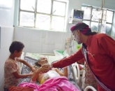 رئيس انتقالي شبوة يزور جرحى جبهات القتال بمستشفى النصر بالضالع
