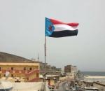 انتقالي المكلا يواصل حملة رفع علم دولة الجنوب فوق المؤسسات الحكومية