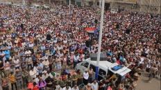 الآلاف يشيّعون الشهيد أبو اليمامة ورفاقه إلى مثواهم الآخير بكريتر
