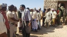 اللواء السقطري يقدم واجب العزاء لشيخ منطقة سلمهوه في وفاة مقدم قبيلة السليمي
