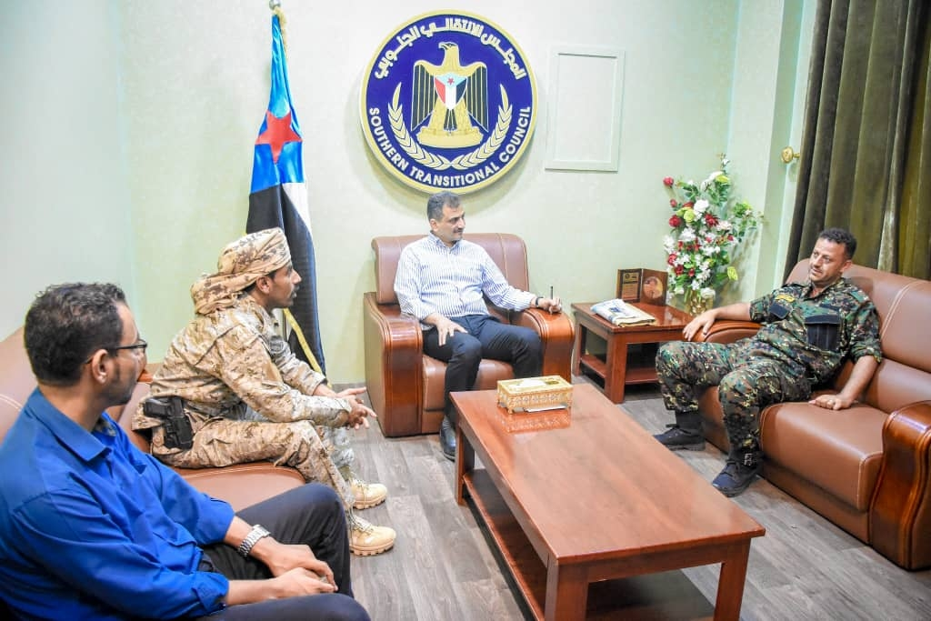 الأمين العام يناقش مع الحتس وباعوم مستجدات الأوضاع الأمنية والعسكرية في محافظتي الضالع وشبوة