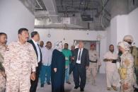 الدكتور الوالي يتفقد آخر التجهيزات في إعادة ترميم مستشفى عدن العام