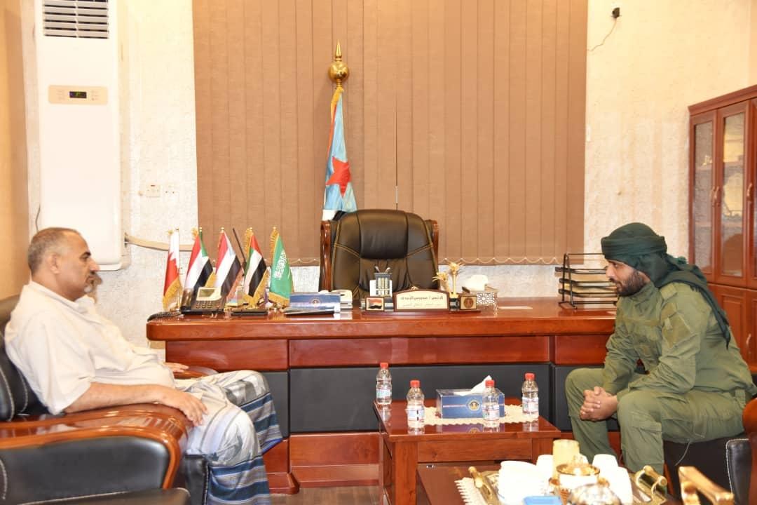الرئيس الزُبيدي يُشيد بجهود قوات الحزام الأمني في حفظ سكينة واستقرار العاصمة عدن ومحافظة أبين