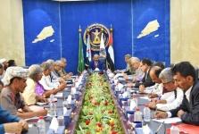 الرئيس الزُبيدي يترأس اجتماعاً مشتركاً لهيئة رئاسة المجلس والهيئة التنفيذية لانتقالي أبين