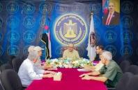 الجعدي يناقش مع نخبة من العسكريين الجويين الجنوبيين سُبل استعادة دورهم الرائد في القطاع العسكري