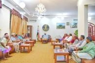 الرئيس الزُبيدي يلتقي بممثلي محافظة أبين في الجمعية الوطنية