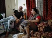 رئيس انتقالي لحج يزور المناضل ناصر الطويل ويطمئن على  صحته