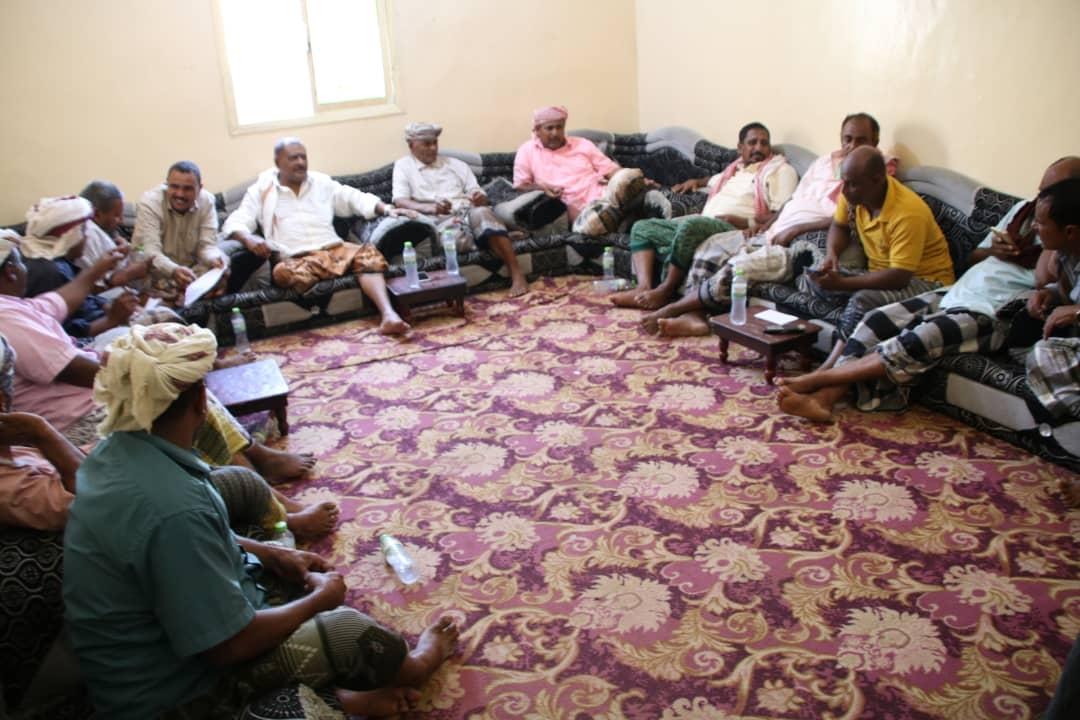 رئيس انتقالي سقطرى يترأس اجتماعاً لأعضاء القيادة المحلية بالمحافظة