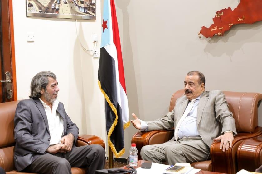 اللواء بن بريك يلتقي مدير مكتب المبعوث الأممي لدى اليمن بالعاصمة عدن