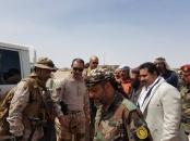 رئيس انتقالي لحج يتفقد القوات الجنوبية بجبهة الحد يافع ويحضر صلحا قبليا في مرفد