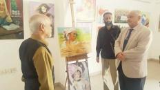 """الوالي يفتتح معرض الرسم التشكيلي """"ملكات الأرض"""" بمناسبة يوم المرأة العالمي وعيد الأم"""