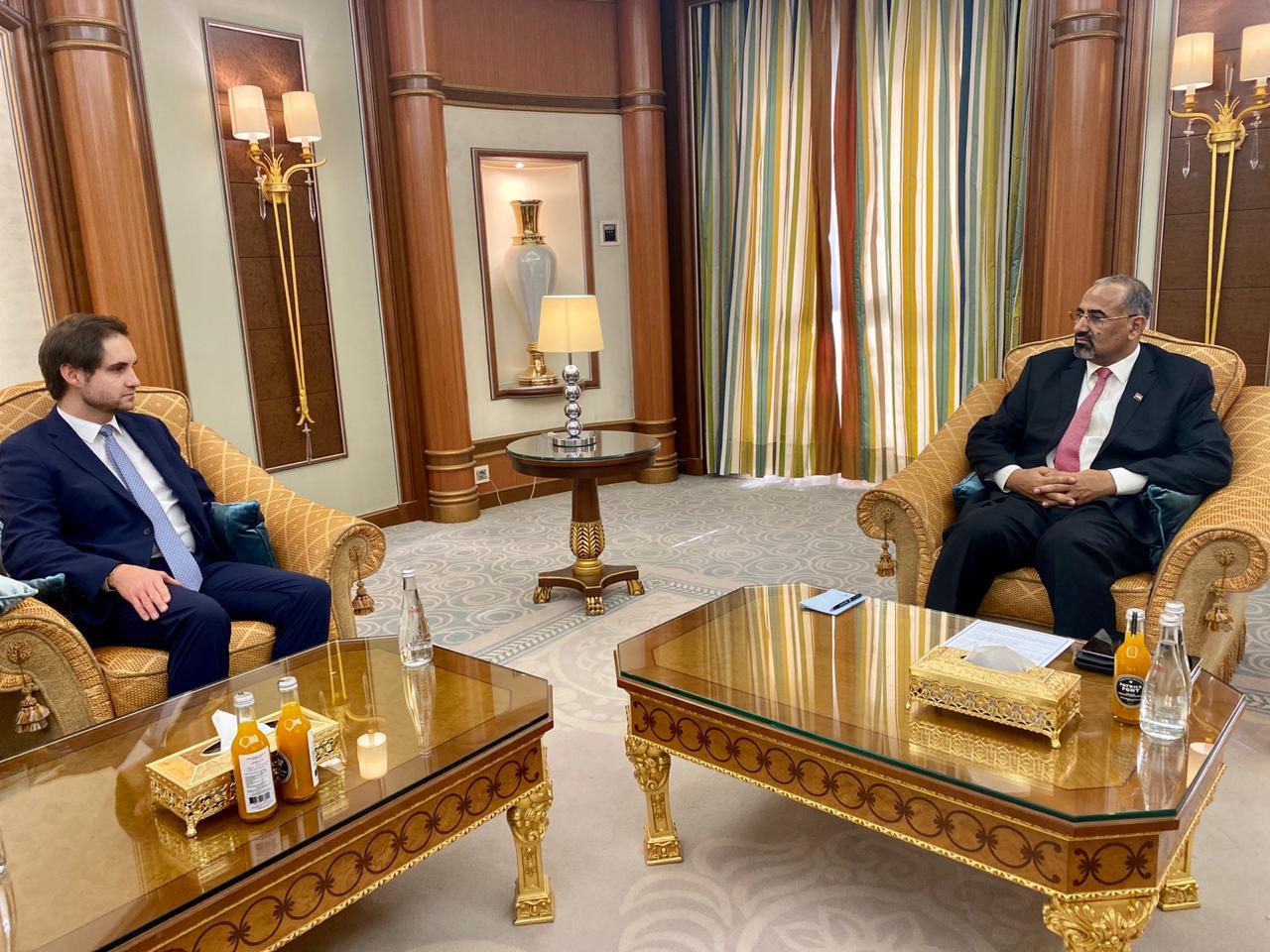 الرئيس القائد عيدروس الزُبيدي يستقبل مسؤولين من بعثة جمهورية ألمانيا الاتحادية