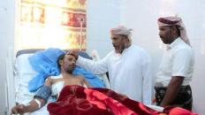 رئيس انتقالي سقطرى يطمئن على صحة الجريح فيصل سعد بمستشفى خليفة