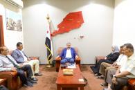 رئيس الإدارة الذاتية للجنوب يلتقي بعدد من أعضاء اللجنة التحضيرية لمنسقية جامعة أبين