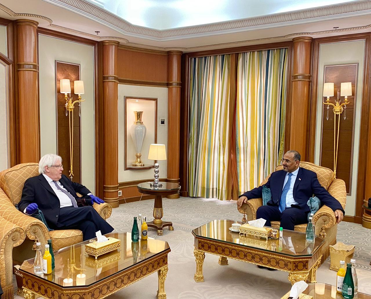 الرئيس القائد عيدروس الزُبيدي يستقبل مبعوث الأمين العام للأمم المتحدة