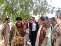 رئيس انتقالي لحج يتفقد سير العمل في مقر السلطة المحلية بردفان