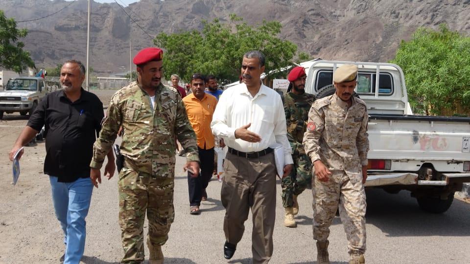 لجنة متابعة أوضاع السجون تزور معسكر اللواء الأول دعم وإسناد وشرطتي البريقة والشعب بالعاصمة عدن