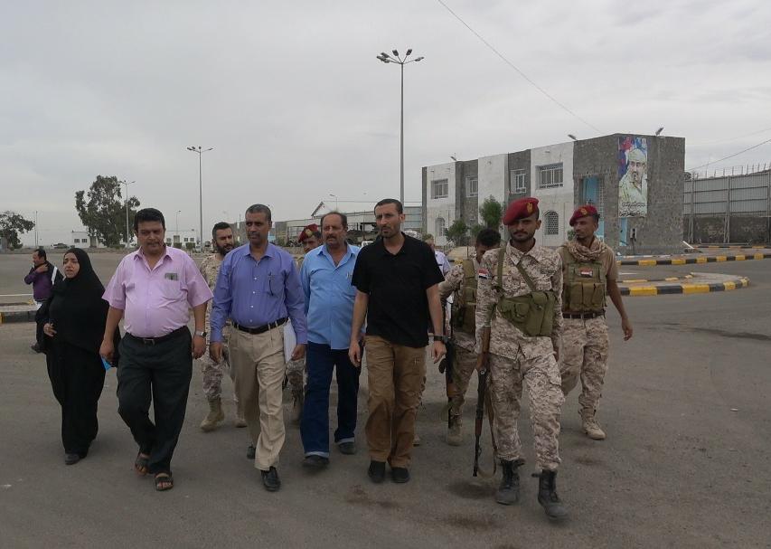لجنة متابعة أوضاع السجون تزور معسكر قوات العاصفة وأقسام الشرطة في المعلا وكريتر والتواهي