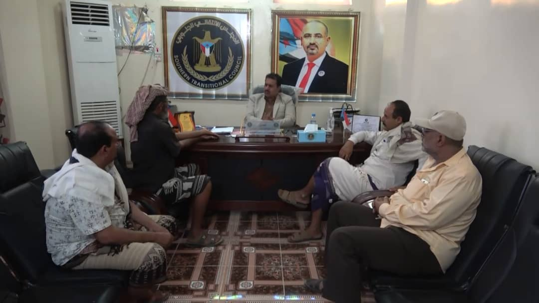 رئيس انتقالي لحج يبحث مع مقاومة الصبيحة الأوضاع العسكرية بمناطق التماس شمال المحافظة
