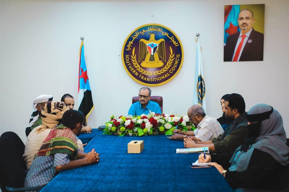 مساعد الأمين العام يلتقي لجنة أهالي أسرى الحرب في أبين وشبوة