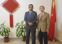 ممثل خارجية الانتقالي الشبحي يبحث مع السفير الصيني اجراءات تنفيذ اتفاق الرياض وآلية تسريعه