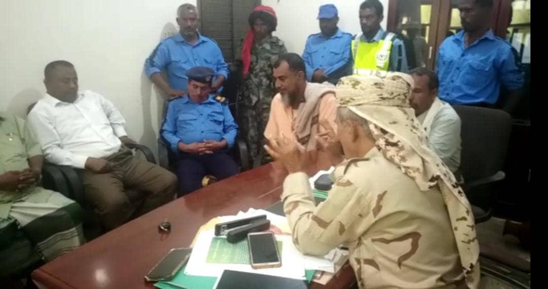 الحوتري يناقش مع السلطة المحلية تنفيذ حملة شاملة لإزالة العشوائيات في زنجبار