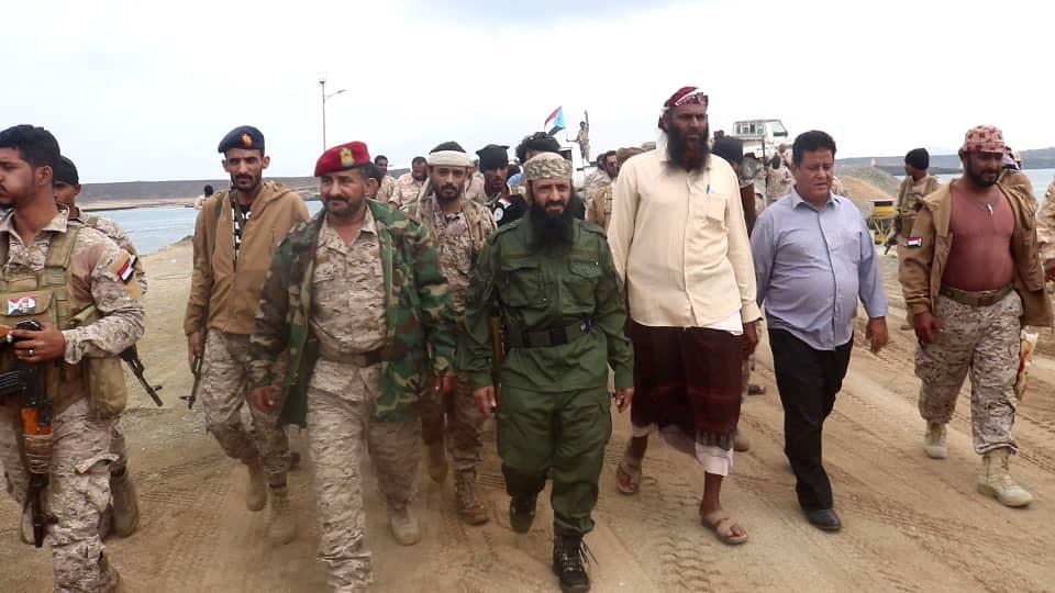 قائد قوات الدعم والإسناد ورئيس تنفيذية انتقالي المعلا يتفقدان جزيرة ميون