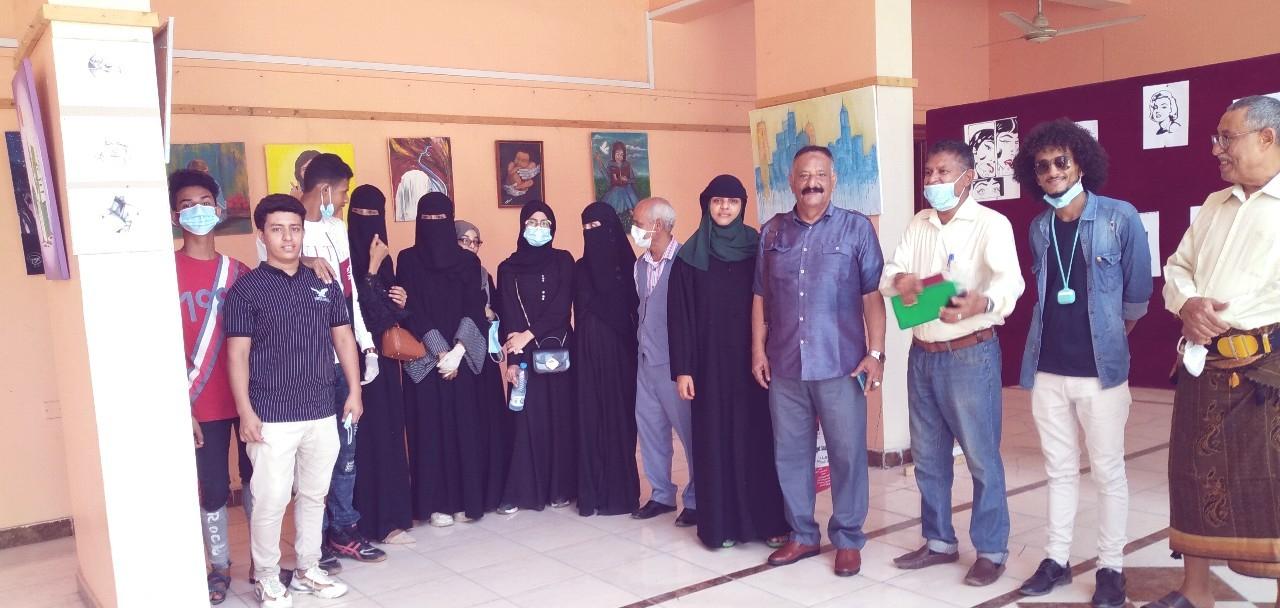 نائب رئيس تنفيذية انتقالي العاصمة عدن يفتتح معرضاً فنياً لجمعية التشكيليين الجنوبيين في صيرة